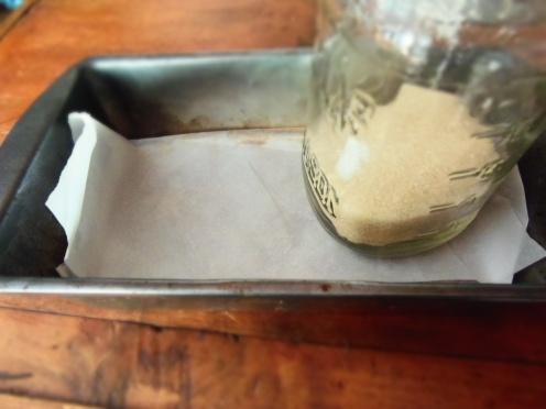 5. Recouvrir de papier et aplatir avec un objet lourd, réfrigérer