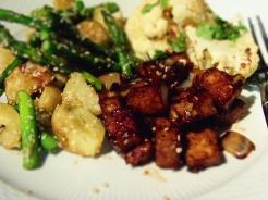 assiette tempeh et asperges
