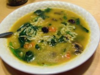ajoutez vos restes à du bouillon de légumes pour une soupe en 2 minutes