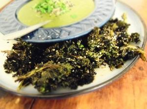 chips de kale et crème de kale vegan